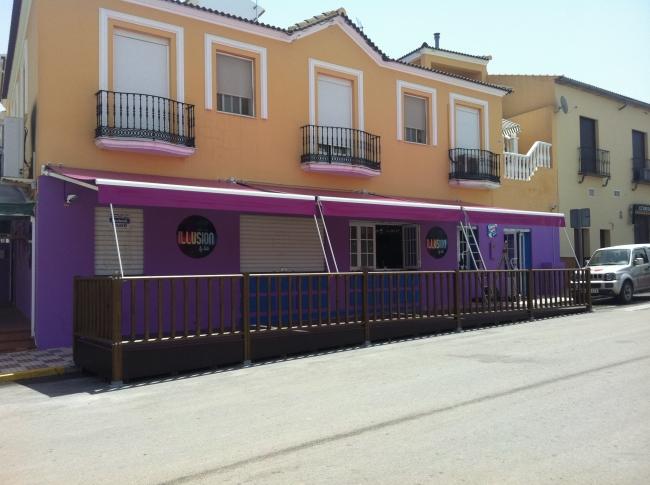 Para terrazas de bares affordable jardineras para terraza - Toldos terraza bar ...